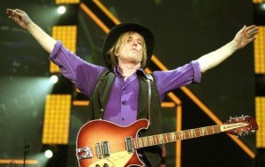 tom-petty-on-stage[1]
